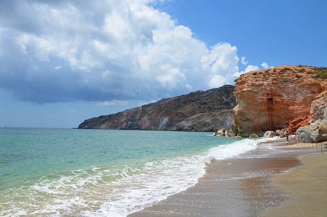 Один из пляжей на Милосе