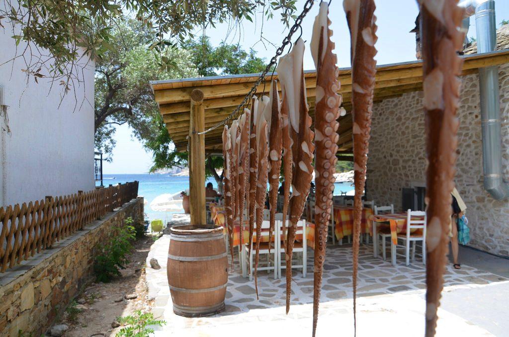 Ресторан на пляже Aliki