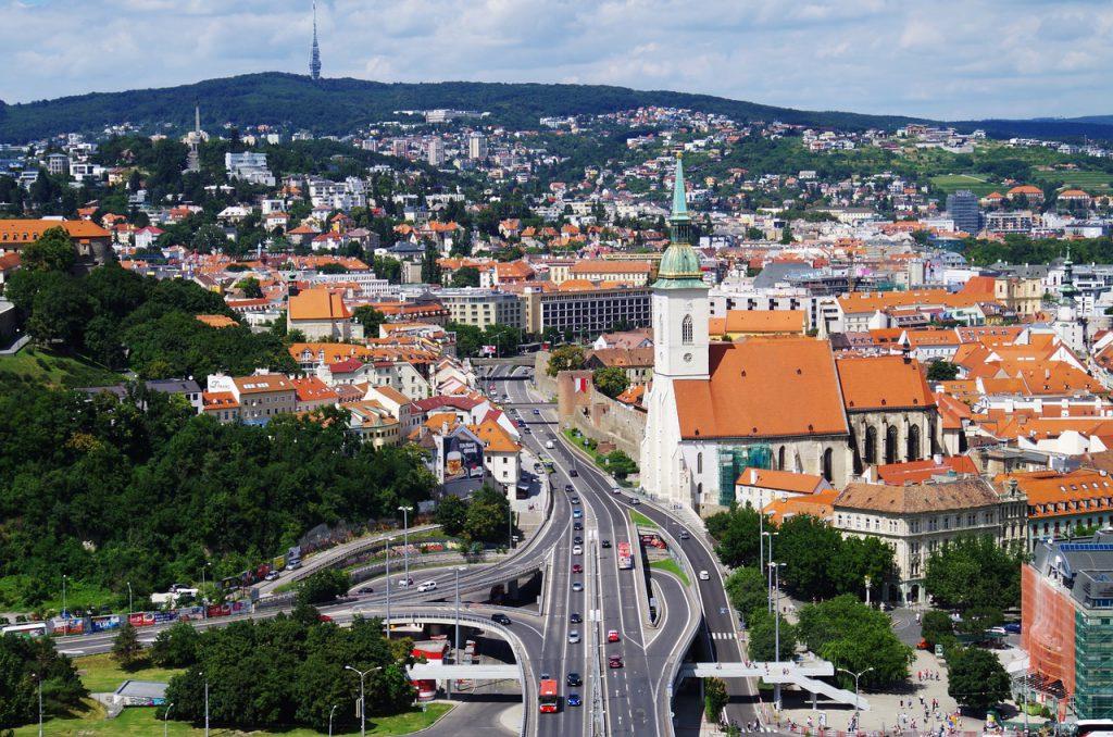 bratislava-1569359_1280